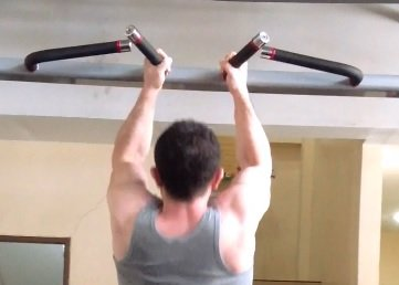 narrow neutral grip pull-up